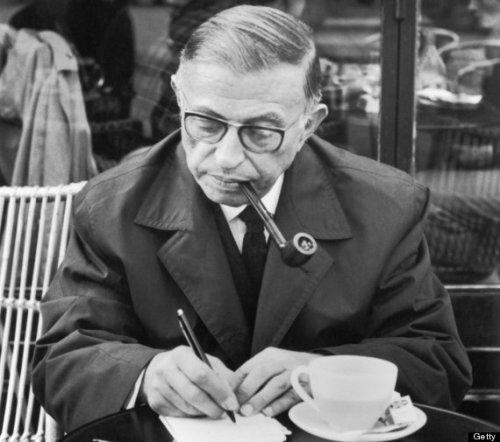 """Sartre et son ouvrage """" l'existensialisme est un humanisme"""" approuvent."""